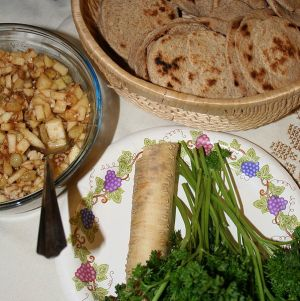 Seder foods (Image courtesy of Wikimedia user Jonathunder)