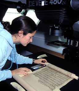Digitization of a Dunhuang manuscript in the IDP UK studio (CC Image by the International Dunhuang Project)