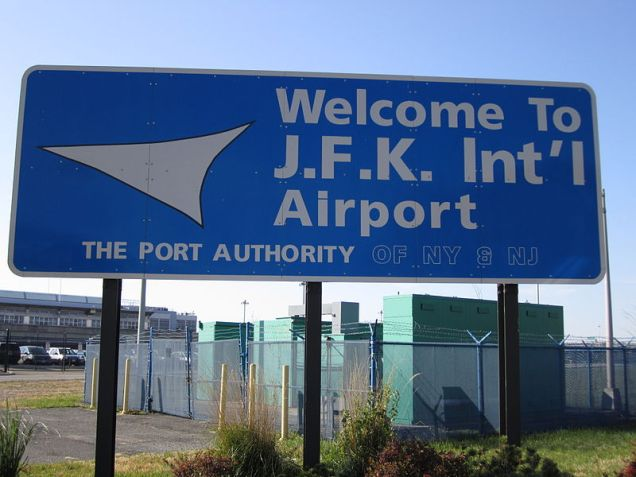 800px-Welcome_John_F._Kennedy_International_Airport_Sign