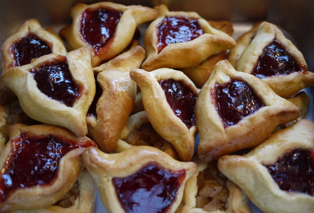 Hamentashen, a traditional Purim sweet (CC image by Rebecca Slegel)